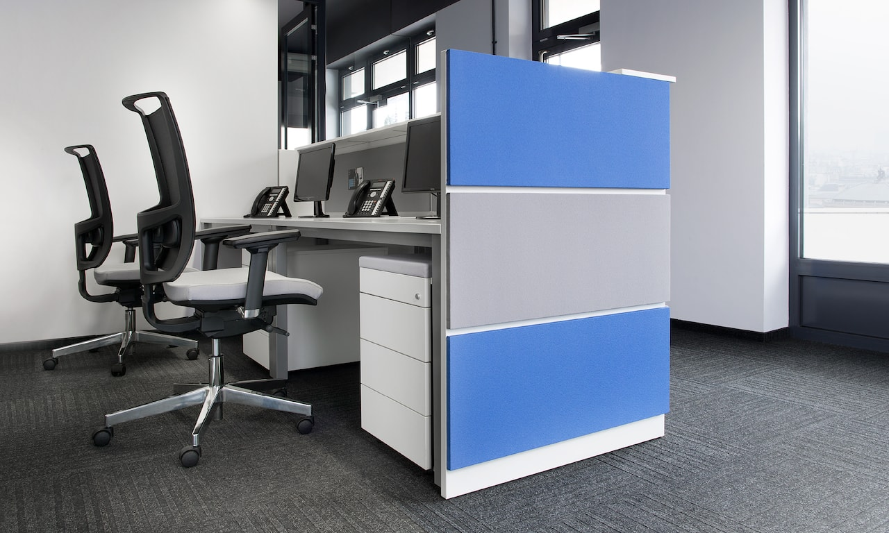 office-furniture_10-6_check-in-2
